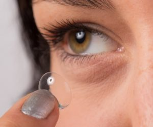 Decorating Your Eyes For Halloween